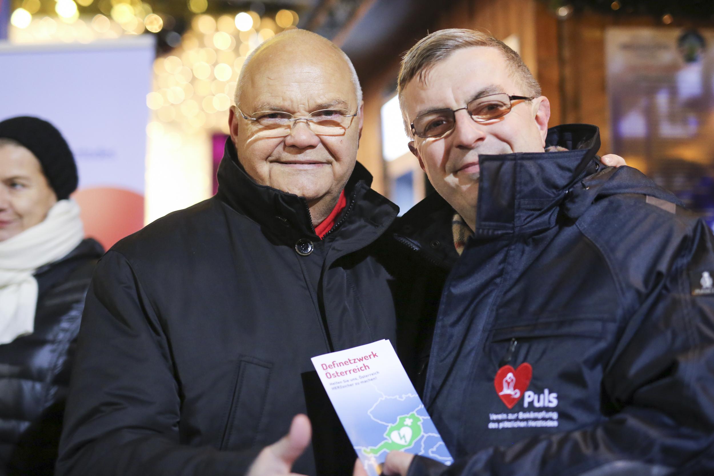 Die Charity-Aktion gegen Herztod am Wiener Christkindlmarkt 2016
